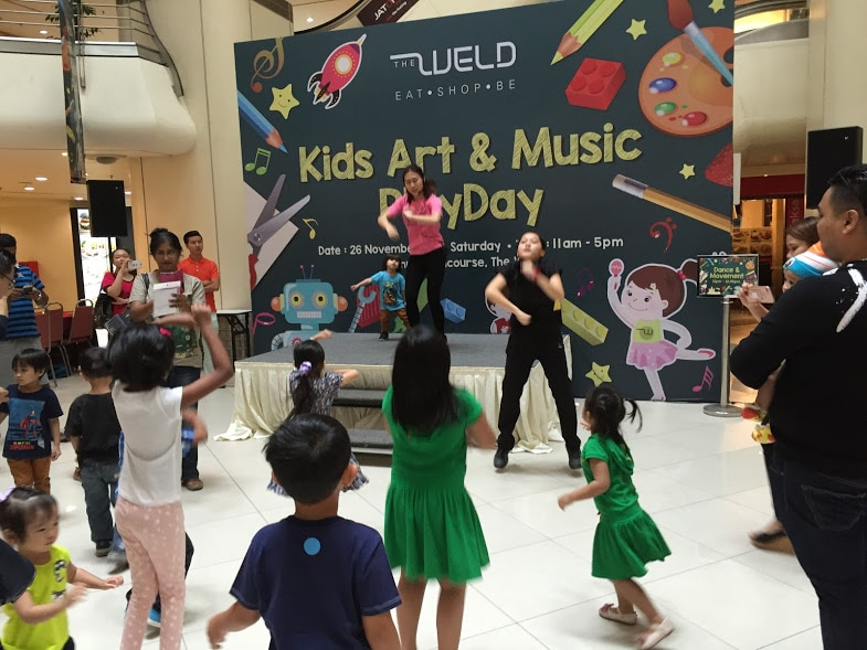 dance and movement kids activity