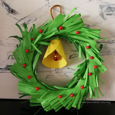 Christmas Paper Wreath Craft